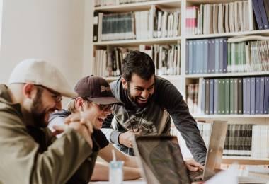 Sự Thu hút Của MBA Trực Tuyến